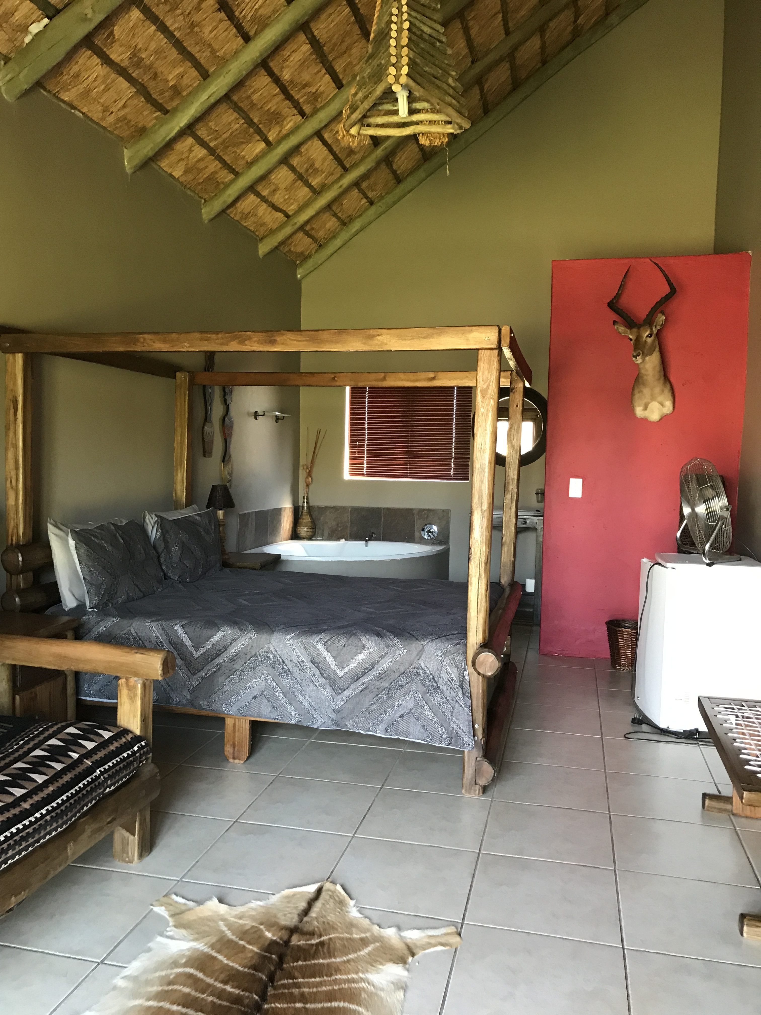 Intulo Lodge Accommodation in Naboomspruit